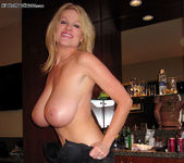 Handjob In Seattle - Kelly Madison 16