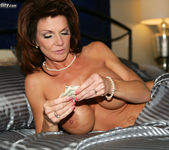 Milf Money - Deauxma 2