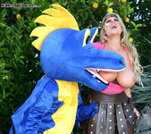 How To Blow Your Dragon - Kelly Madison 10