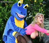 How To Blow Your Dragon - Kelly Madison 15