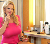 Cruise On In - Kelly Madison 4