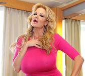 Cruise On In - Kelly Madison 7