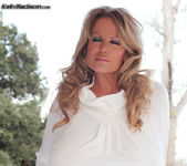 Sundown Stroking - Kelly Madison 14