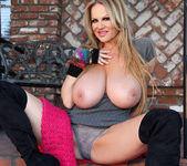 Big Boobie Chill - Kelly Madison 4