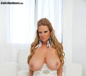 White Hot - Kelly Madison 9