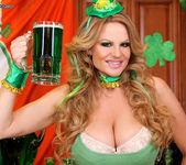Beer Pub Slut - Kelly Madison 3