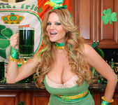 Beer Pub Slut - Kelly Madison 4