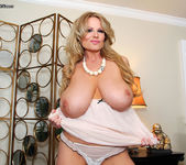 Shove It Deep - Kelly Madison 7