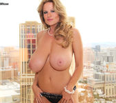 Vegas Baby - Kelly Madison 3