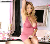 Pink And Wet - Kelly Madison 3