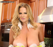 Scrub My Titties - Kelly Madison 14