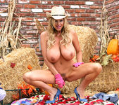 Thanksgiving Cuntry Pie - Kelly Madison 12