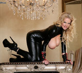 Latex Lust - Kelly Madison 7