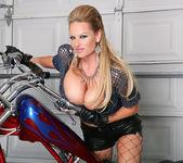 Bitchin' Biker BJ - Kelly Madison 4