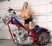 Bitchin' Biker BJ - Kelly Madison 15