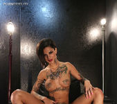 Dead Girls Don't Cry - Bonnie Rotten 3