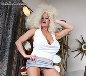 Foxy White - Kelly Madison 11