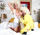 Foxy White - Kelly Madison 14