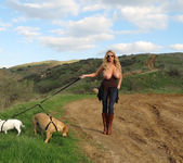 Titty Trecking - Kelly Madison 7