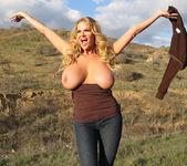 Titty Trecking - Kelly Madison 16