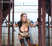 Off The Rails - Kelly Madison 10