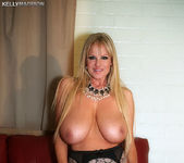 Deep In The Night - Kelly Madison 4