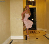 Front Door Fuck - Kelly Madison 12