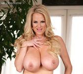 Dressing Nude - Kelly Madison 12