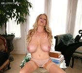 Dressing Nude - Kelly Madison 14
