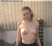 Amanda - country girl has a hairy pussy 4