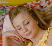 Alice - amateur blonde loves her hitachi 2