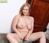 Vicky Vixen - Karup's Older Women 11
