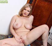 Vicky Vixen - Karup's Older Women 12