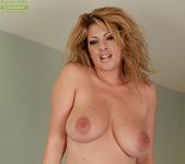 Lexi Lexxx - Karup's Older Women 12