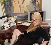 Lindsay Jackson - Karup's Older Women 3