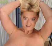 Tahnee Taylor - Karup's Older Women 23