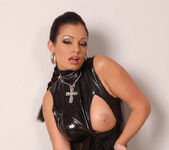 Aria Giovanni - 1by-day 2