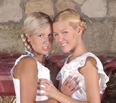 Jenny Sanders & Sophie Moone 3