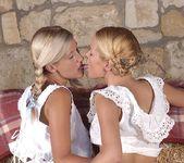 Jenny Sanders & Sophie Moone 4