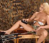 Viktoria Blonde - 1by-day 9