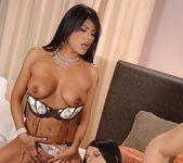 Jasmine Luna Gold & Yoha Anal FFM Threesome 3