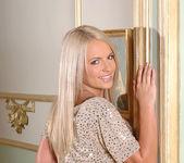 Britney Spring - 1by-day 2