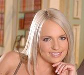 Britney Spring - 1by-day 7