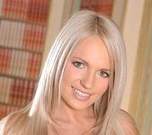 Britney Spring - 1by-day 15