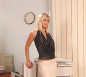 Wivien - DDF Busty 2