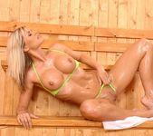 Wivien - DDF Busty 9