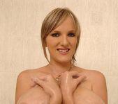 Stefani - DDF Busty 17