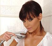 Gabriela - DDF Busty 2