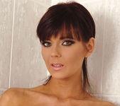Gabriela - DDF Busty 6