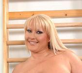 Laura M. - DDF Busty 16